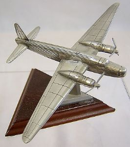Royal Hampshire Polished Pewter Edition -Vickers Wellington - original box - SOLD